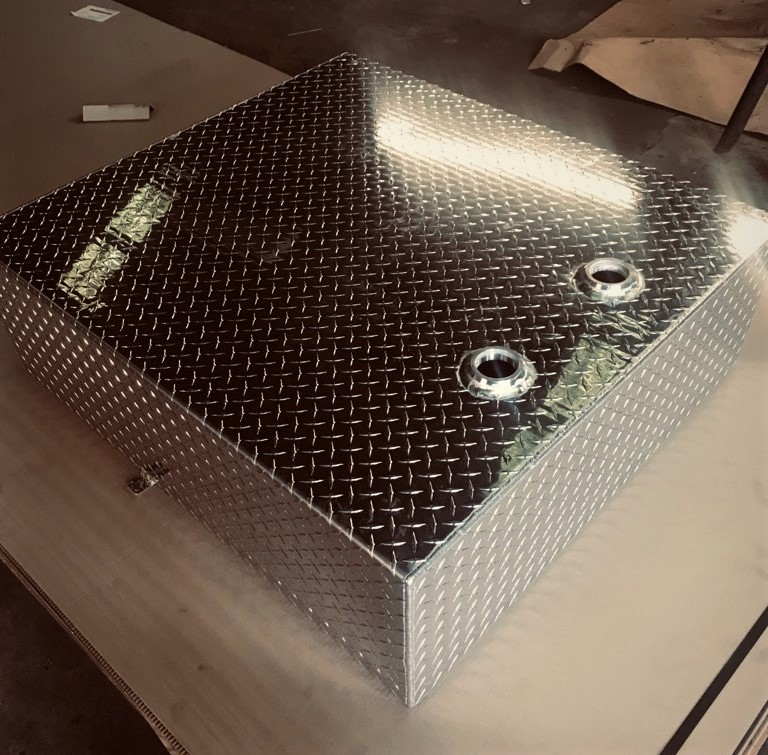 Aluminum Diamond Plate Fuel Tank